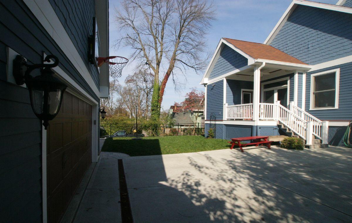 [110]CompletedGarageRebuild,DrivewayReplacement,DeckRemoval-HousePainting(11).jpg